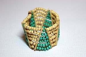 Triangular White & Turquoise Elasticated Wooden Bracelet